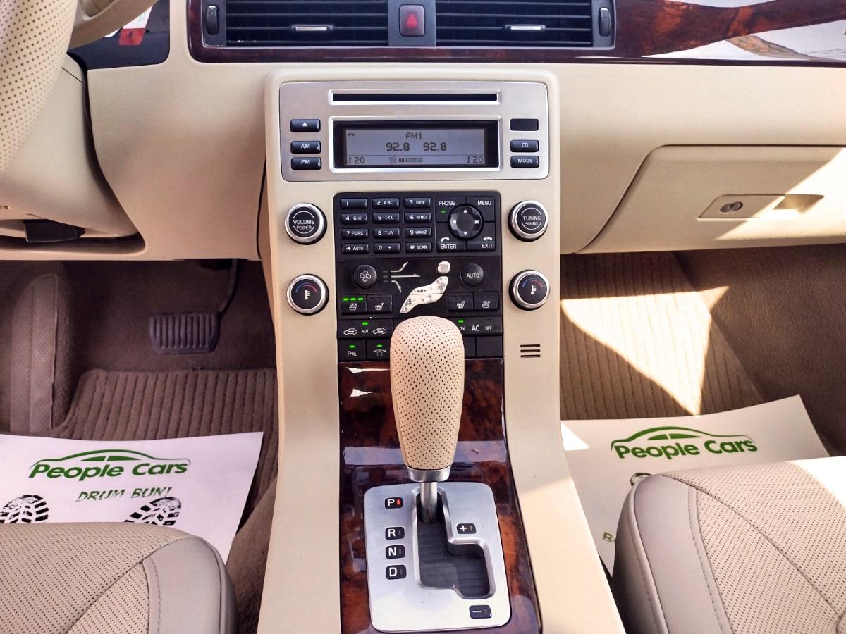 Volvo S80 4.4i V8 AWD